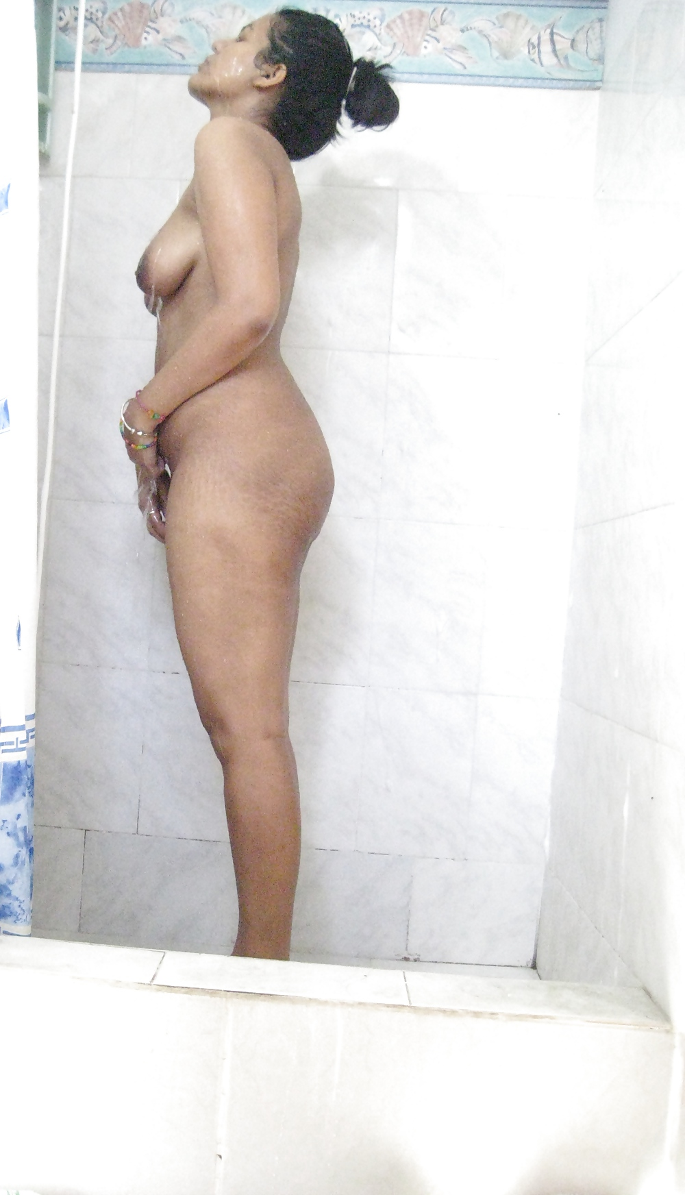 desi wife nude bathing