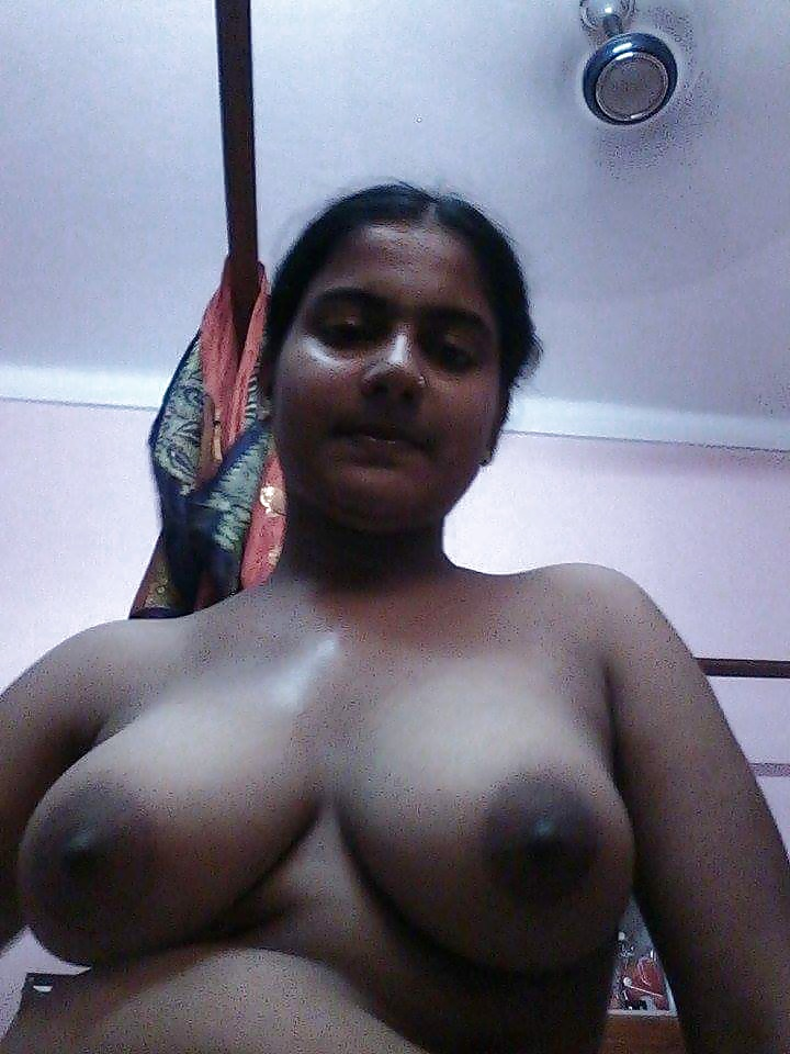 Newly Married Desi Wife Nude Exposing Milky Tits And Choot -1946