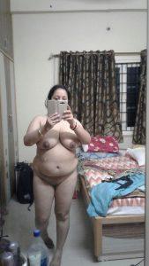 bhabhi nude selfies