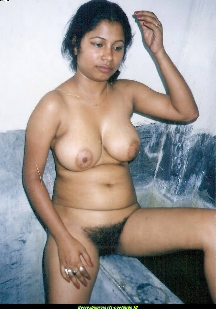 Beautiful horny desi nude girls are