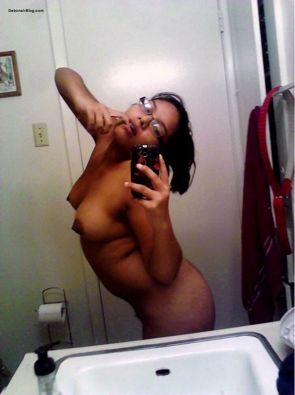 Big girls nude selfies did