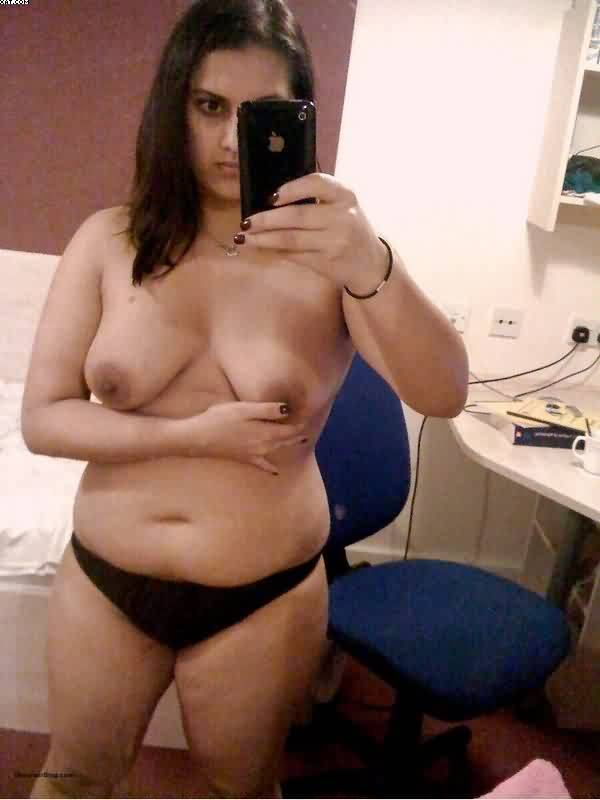 beautiful indian desi wife taking nude selfies on trip 005