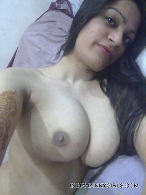 Desi delhi indian girlfriend in bed with funny dirty hindi - 1 4