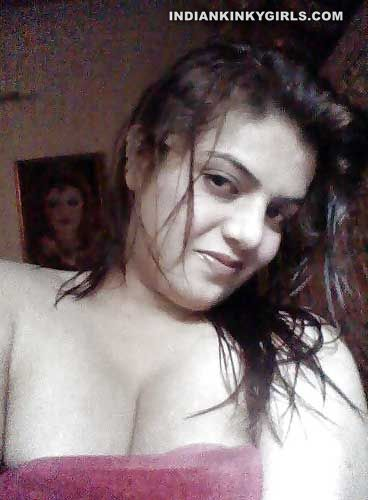 chubby desi mba student taking big boobs selfies 004