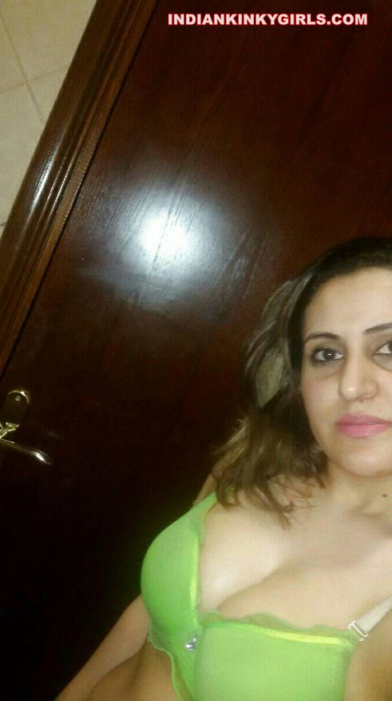 hina banu nude selfies leaked