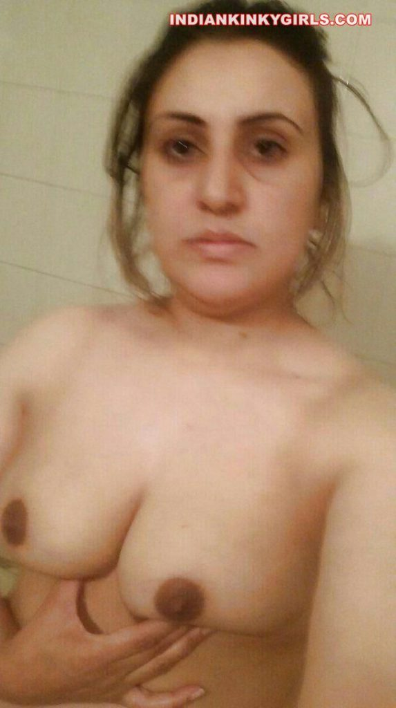 hina banu nude selfies leaked 002