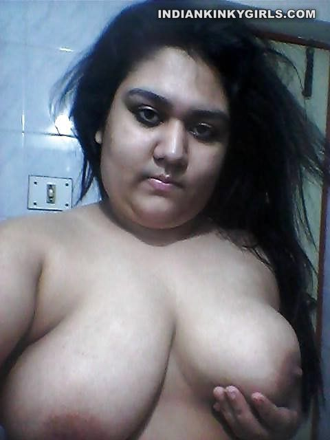 huge boobs naked selfies 002