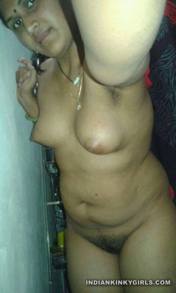 indian marathi housewife naked shower selfies leaked 001