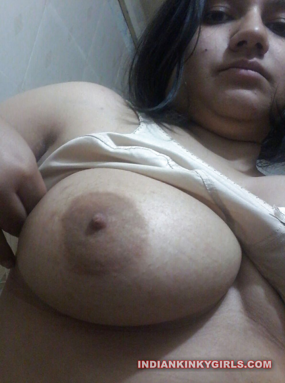 indian aunty selfies nude