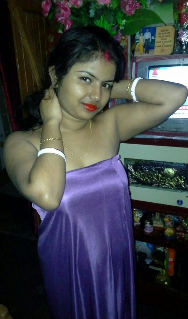 rajkot housewife exposing her sexy boobs hot 001