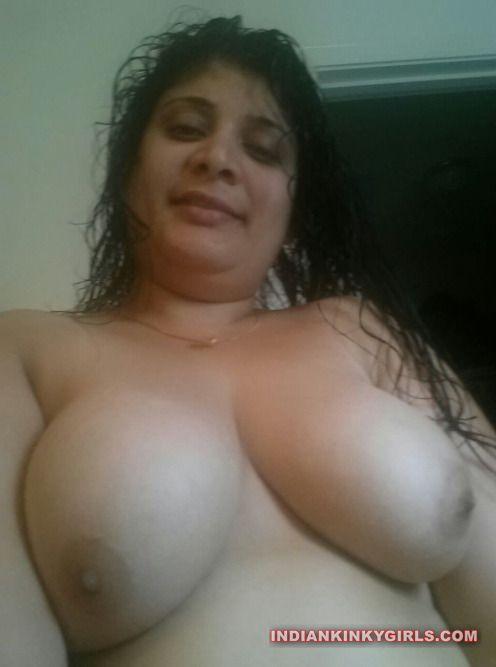 renu bhabhi nude selfies leaked 001