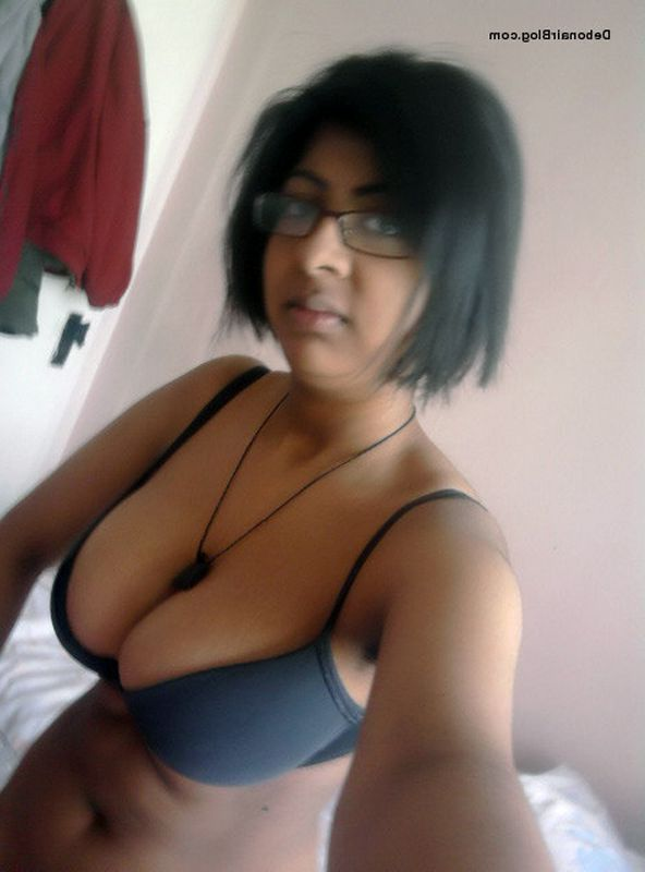 shreya nude selfies showing tits