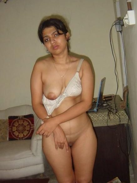 desi wife mona stripping nude 002