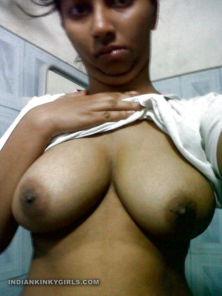 Horny Indian Housewife Boobs Selfies Leaked  Indian Nude -5510