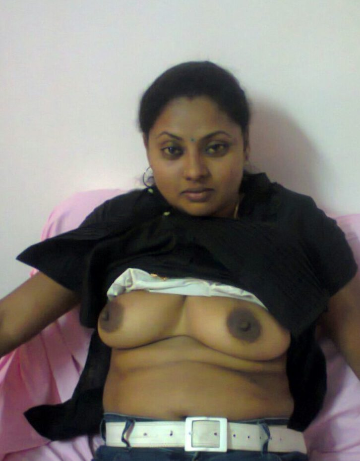 mallu bhabhi seems stripping for boss showing boobies 003