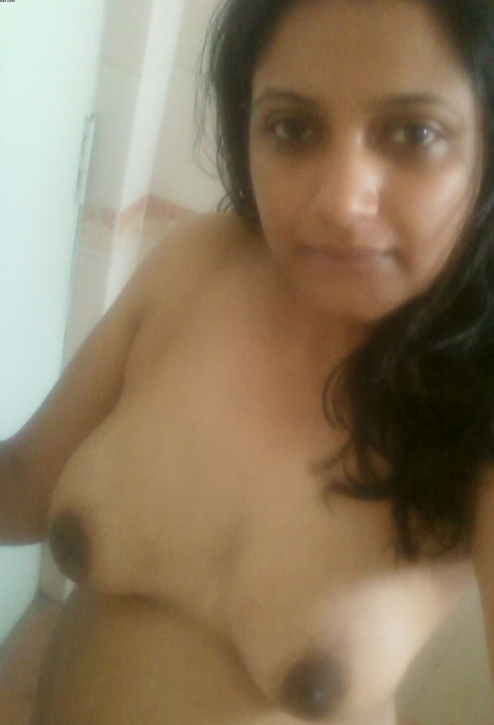 naughty indian wife rupali send nude photos for colleague 006