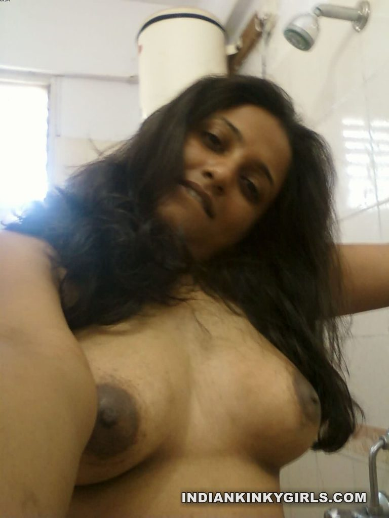 naughty indian wife rupali send nude photos for colleague 007