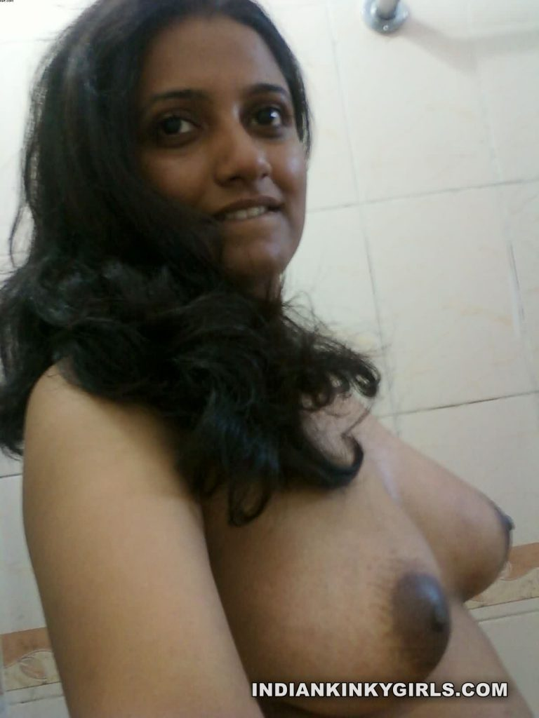naughty indian wife rupali send nude photos for colleague 008