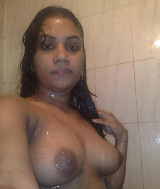 village tharki aunty nude bathing photos 002