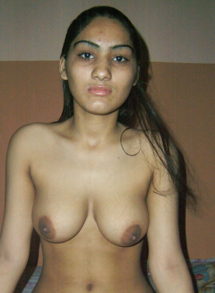 Beautiful Jaat Girl Naked Showing Boobs  Smooth Pussy -8611