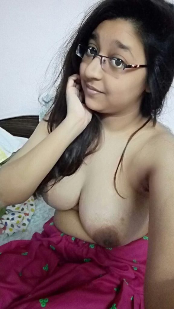 18 Year Old Punjabi Girl Nude Whatsapp Photos  Indian -7536