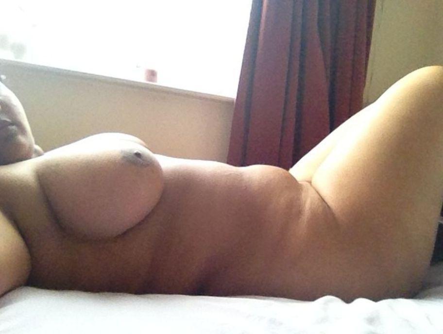chubby desi neighbour girl nude photos 004