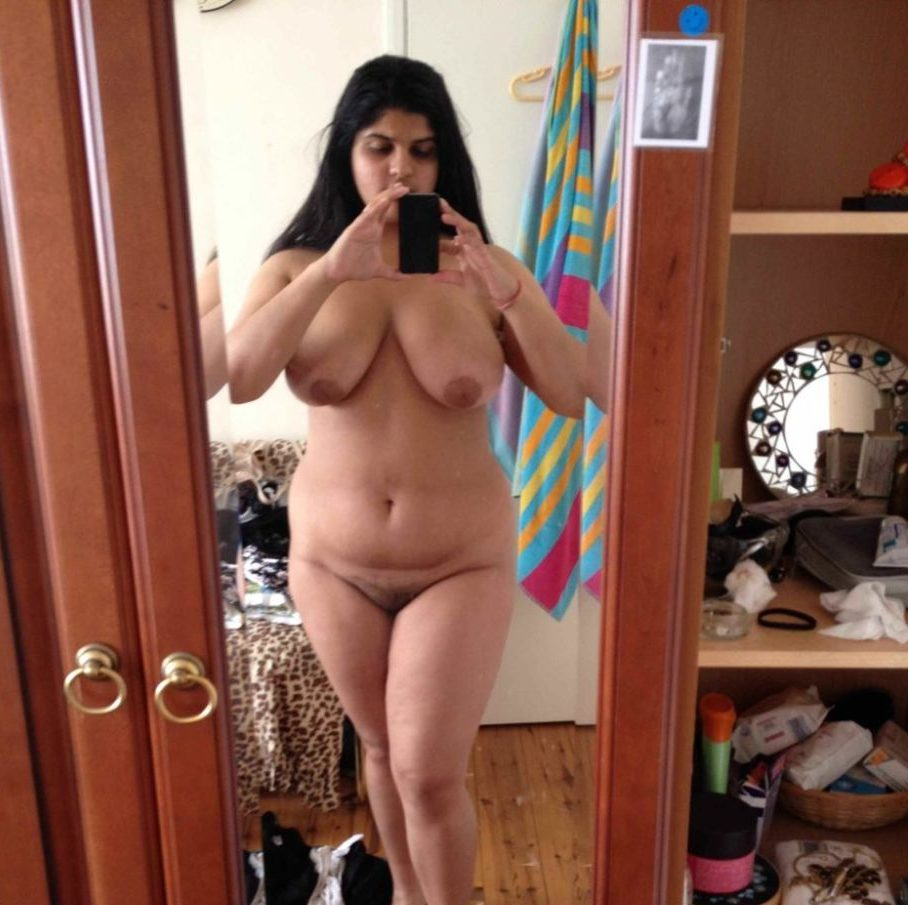 Bbw geting nude