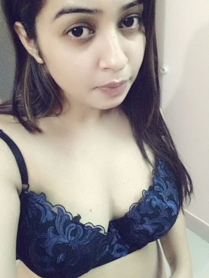 cute punjabi girl navjot nude selfies 001