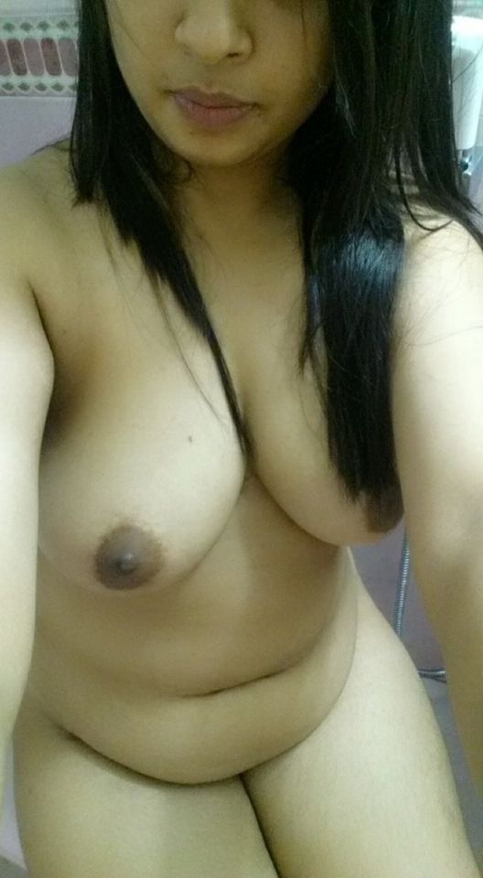 nude girlfriend vagina selfie
