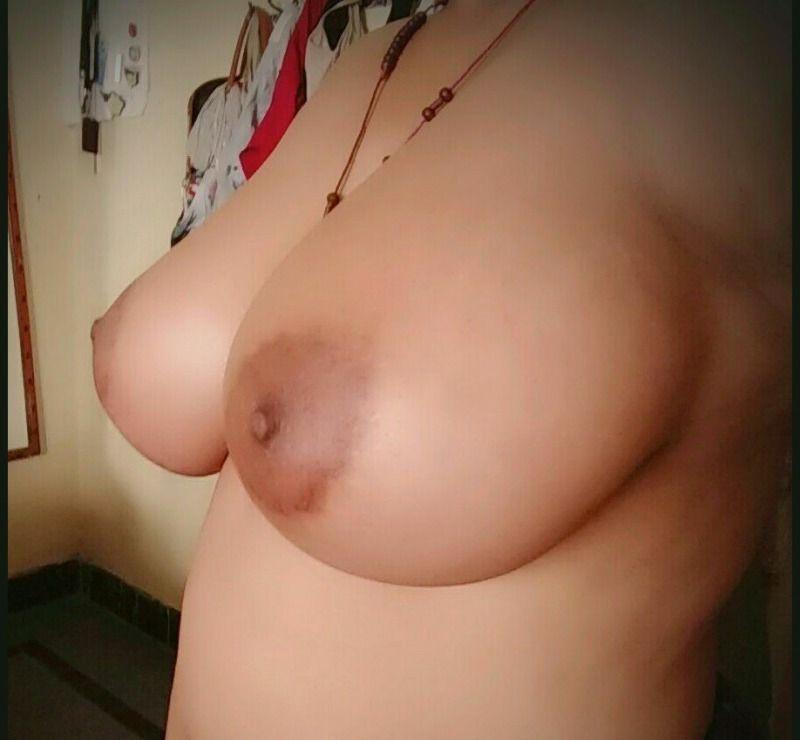 goan catholic girl nude selfies showing huge boobs 004