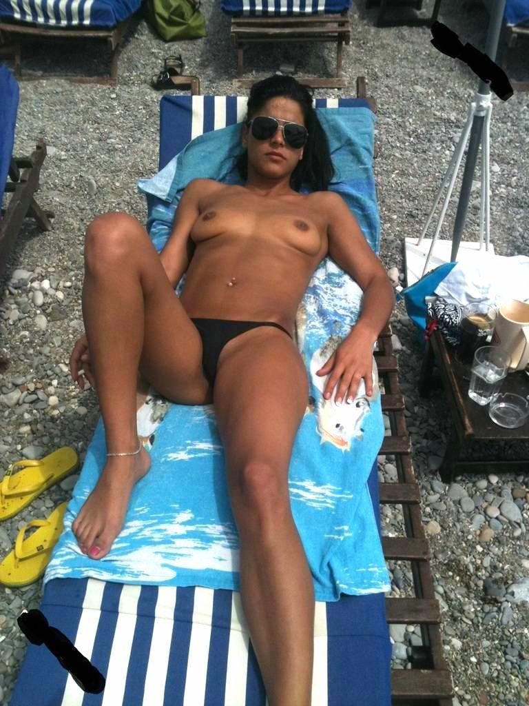 indian business woman nude sunbathing in sydney 002