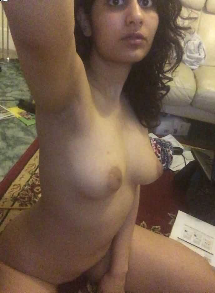 indian mbbs student neha leaked nude selfies 006