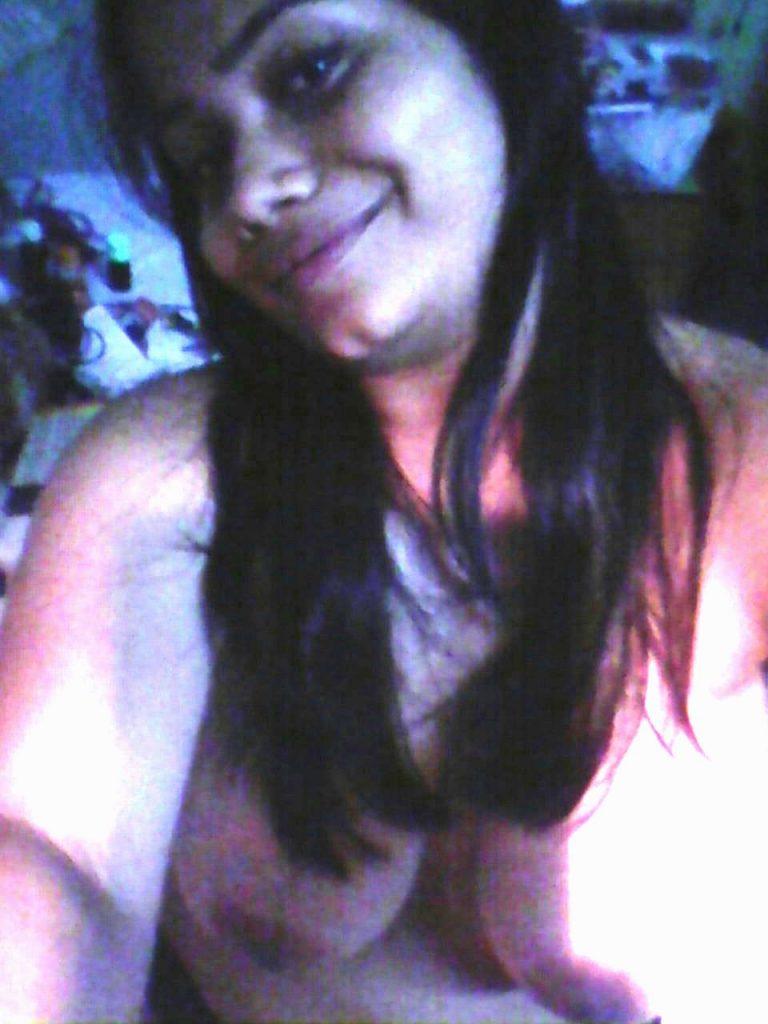 bengali call girl nude selfies exposing huge breasts 007