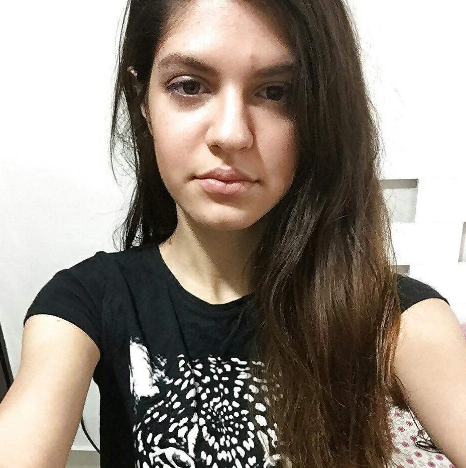 cute mumbai teen nude selfies hairy pussy 001