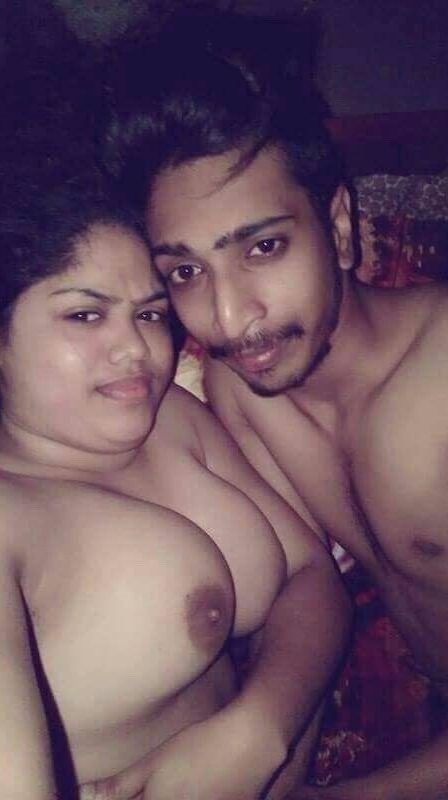 hot amateur desi wife nude selfies