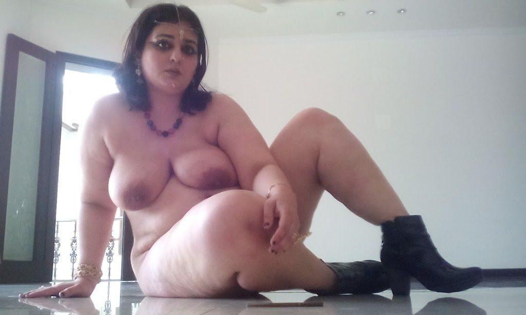 hunter aunty ki nude mast photos 006