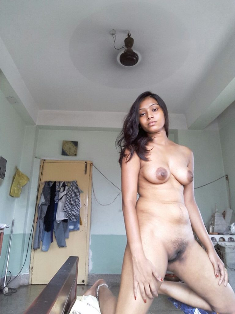 amateur beautiful nude desi girls boobs and pussy show 003