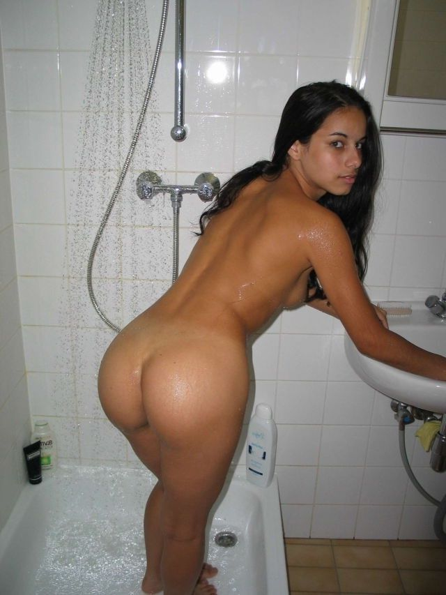 indian girls nude in shower photos compilation 001