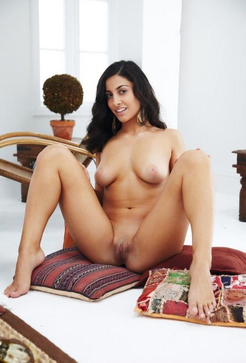 international indian model nude photos exposing ass 001