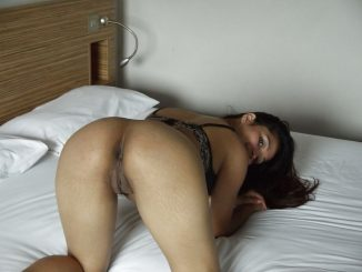 leaked naked photos of high class mumbai wife 004