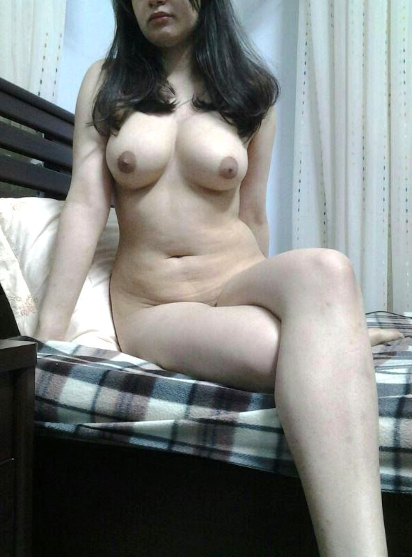 webcam nude live show of gorgeous desi babe 005