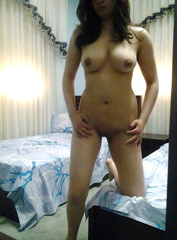 webcam nude live show of gorgeous desi babe 008