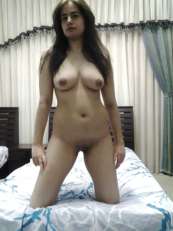 webcam nude live show of gorgeous desi babe 011