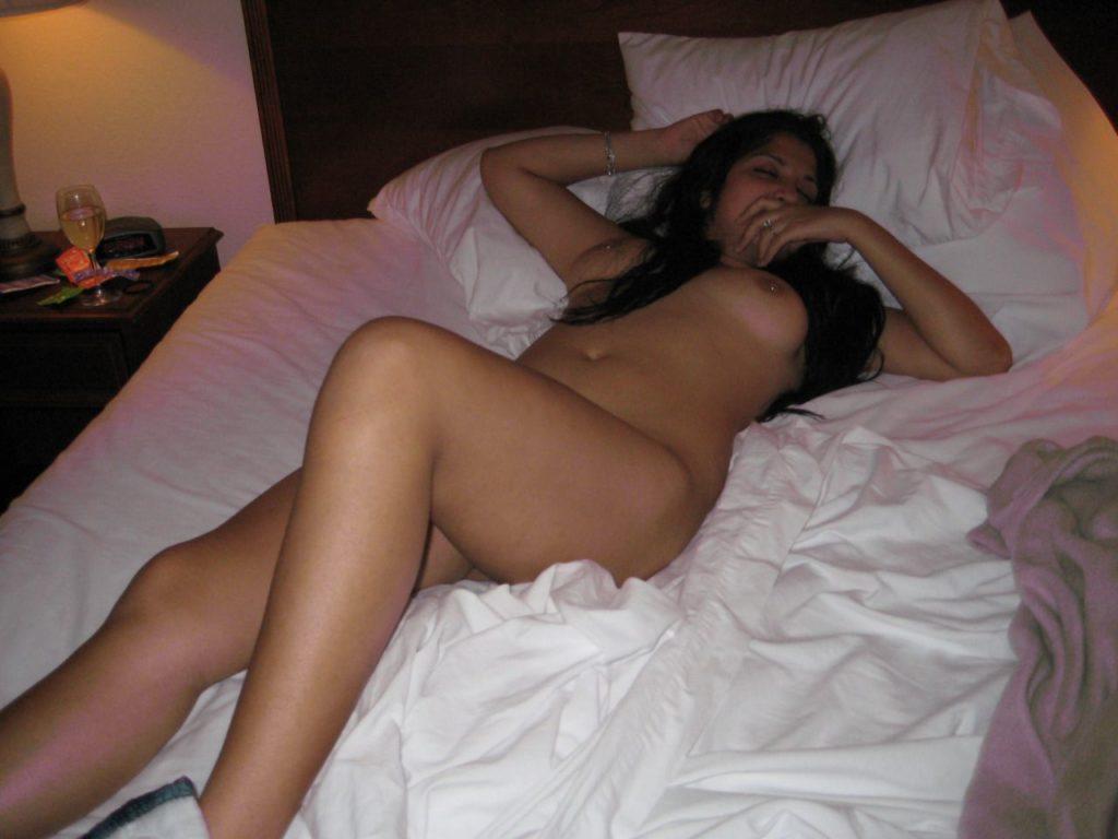 amateur indian girlfriend nude masturbating pics 002