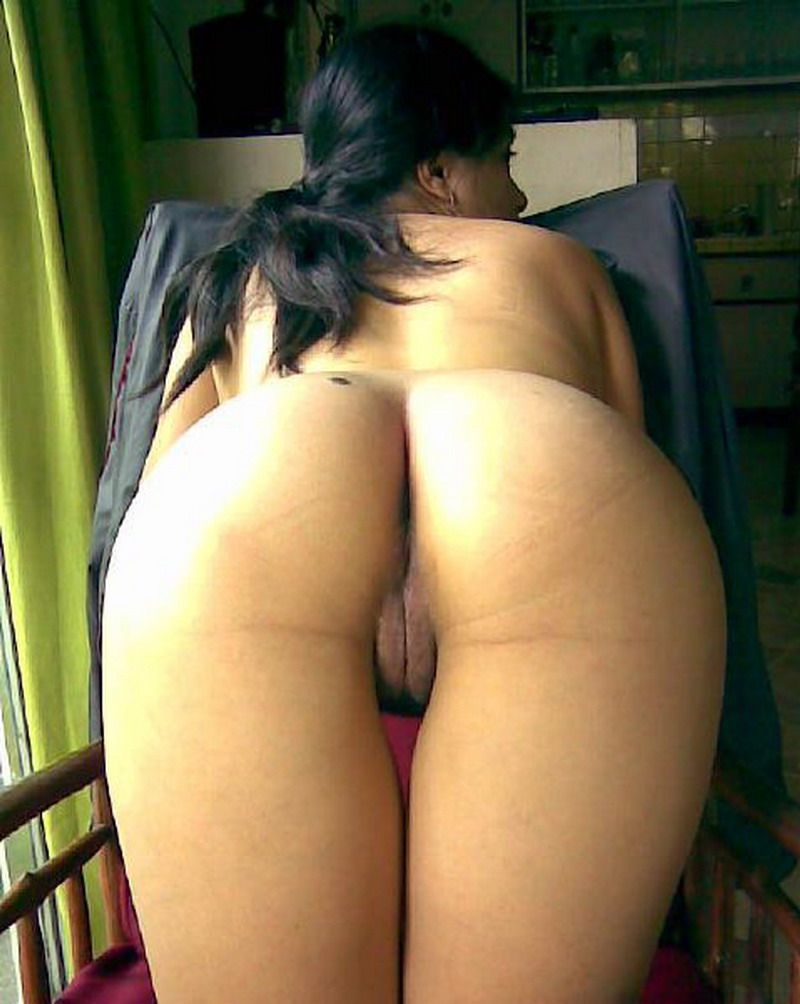 awesome photos of hot desi bitch with great ass 004