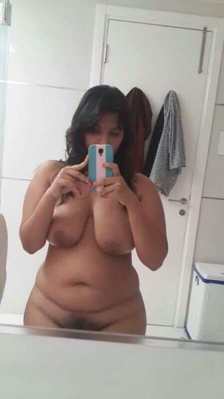 chubby desi girl nude selfies exposing huge boobs 002