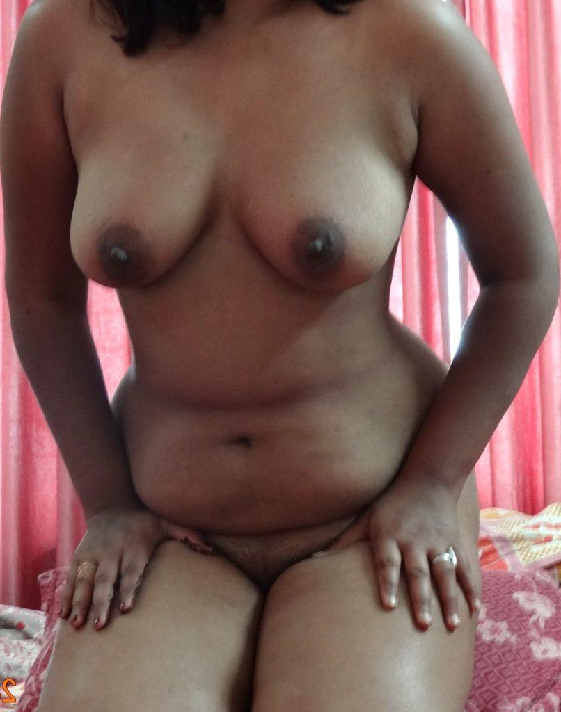 horny mature mallu aunty nude cock teasing 002