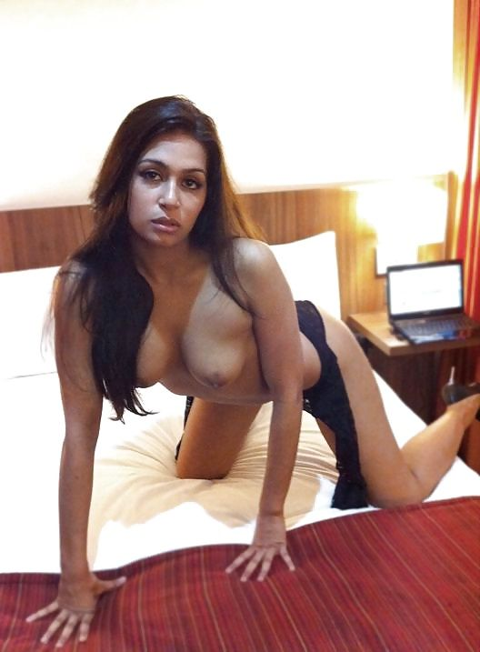 rich delhi businessman daughter nude photos leaked 002