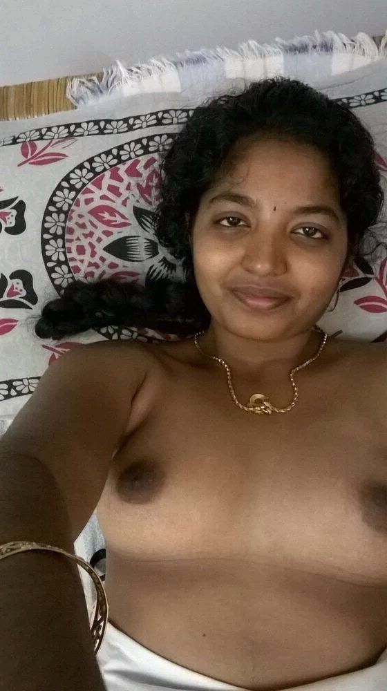 tamil wife naked showing yummy boobs selfies 003