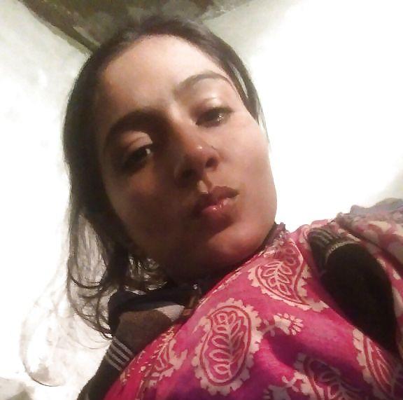 amateur desi college girl bhavana naked selfies